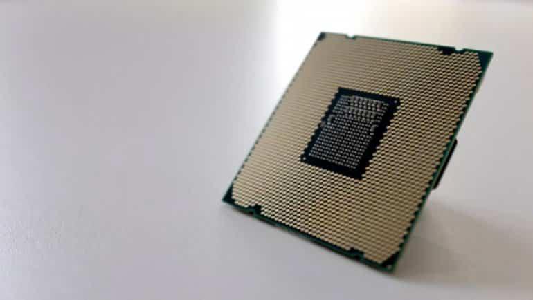 ARM'dan Intel ve AMD'ye göz dağı
