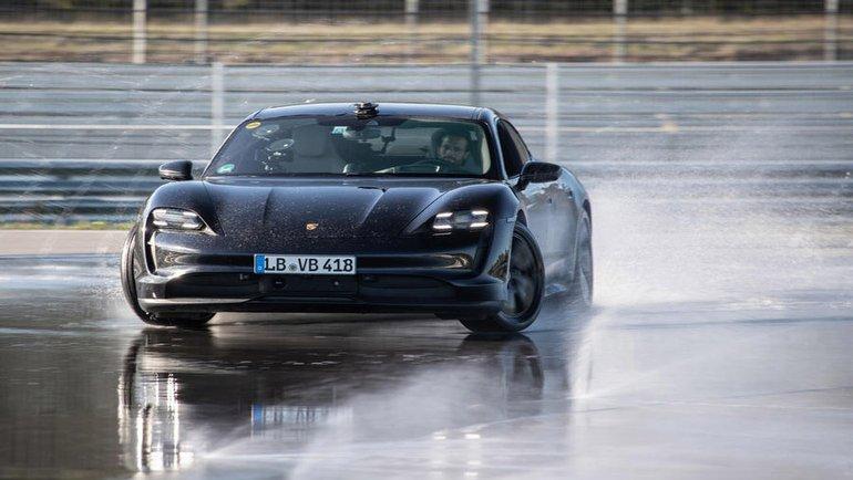 "Porsche Taycan'dan yeni ""rekor"""