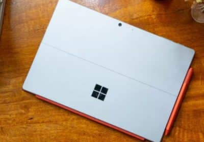 Surface Pro 8 ve Surface 4 göründü