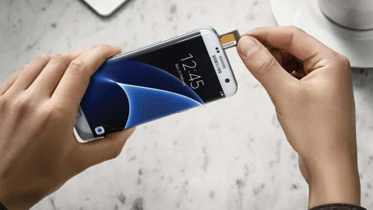 Galaxy S21'e bellek kartı şoku