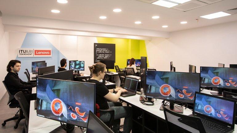Lenovo'dan yazılım laboratuvarı