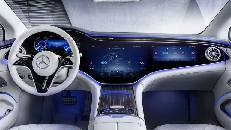 Mercedes EQS yine büyüledi