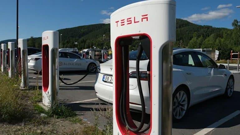 "Elon Musk'a ""Tesla cezası"" şoku"